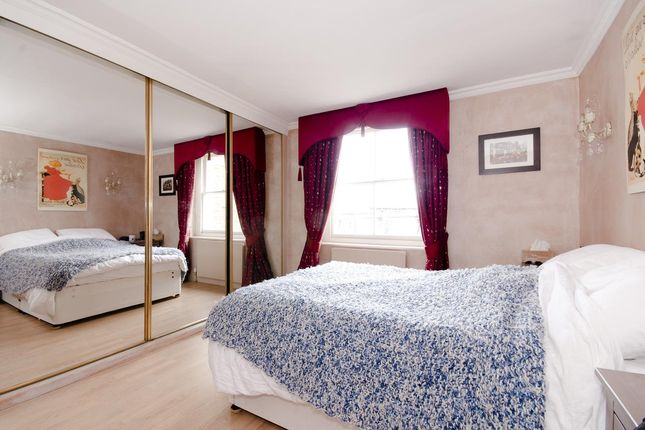 Bedroom of Randolph Avenue, Little Venice, London W9