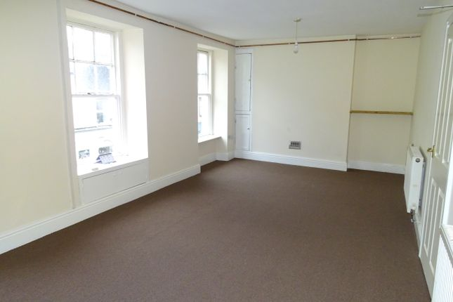 2 bed flat to rent in Church Street, Llangefni, Ynys Mon LL77