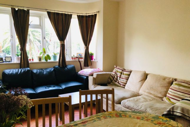 Thumbnail Flat to rent in Redesdale Gardens, Isleworth
