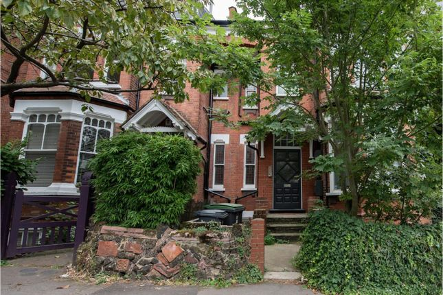 Flat in  Church Crescent  Muswell Hill  Watford