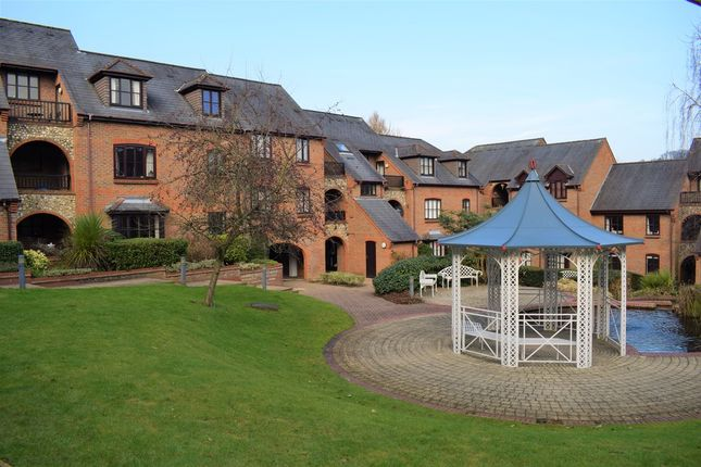 Thumbnail Flat for sale in Dolphin Court, Kingsmead Road, High Wycombe