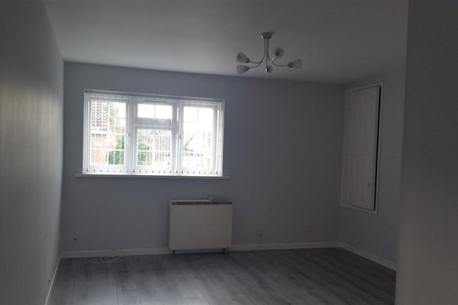 Thumbnail Property to rent in Malham Close, Luton, Bedfordshire