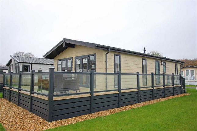 Thumbnail Mobile/park home for sale in Hoburne Bashley Park, Sway Road