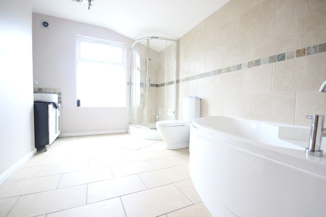 Thumbnail Terraced house to rent in Homesdale Road, Bromley
