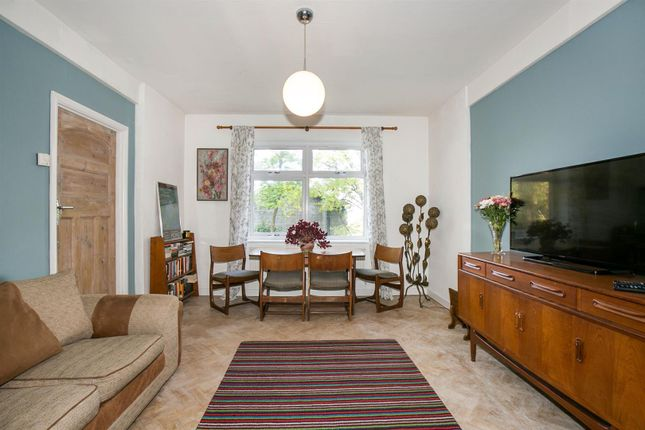 Thumbnail Flat for sale in Taymount Rise, London