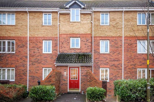 2 bed flat to rent in Oldwood Place, Livingston EH54