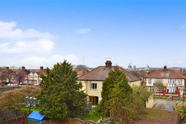 1 bed maisonette for sale in North Circular Road, London