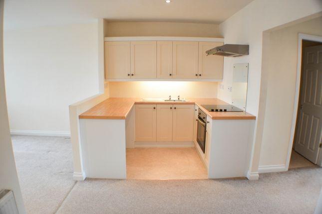 Thumbnail Flat to rent in Greenacres Road, Blackhill