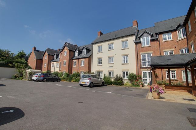 2 bed flat for sale in Daffodil Court, Newent GL18