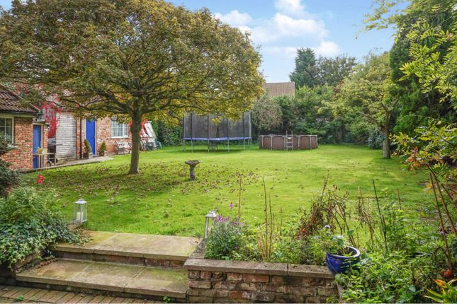 4 Bed Detached House For Sale In High Street Barmby On The Marsh Dn14 Zoopla