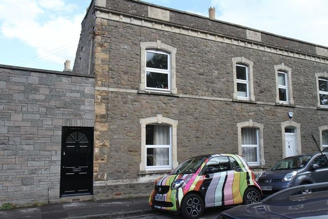 Thumbnail Flat to rent in Melbourne Terrace, Clevedon