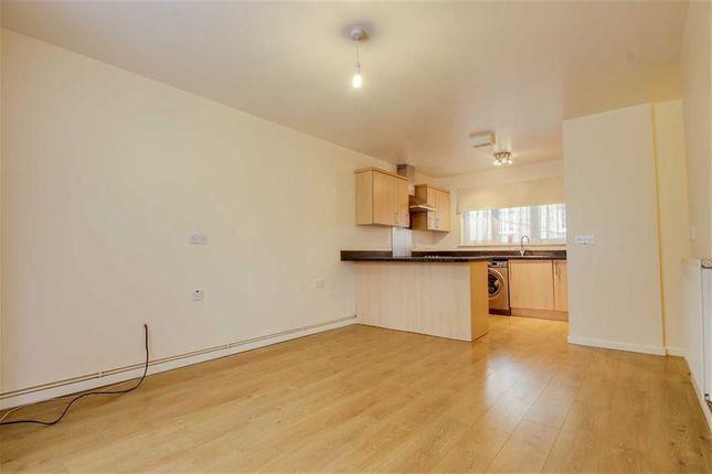 Thumbnail Flat to rent in Durrans Court, Bletchley, Milton Keynes