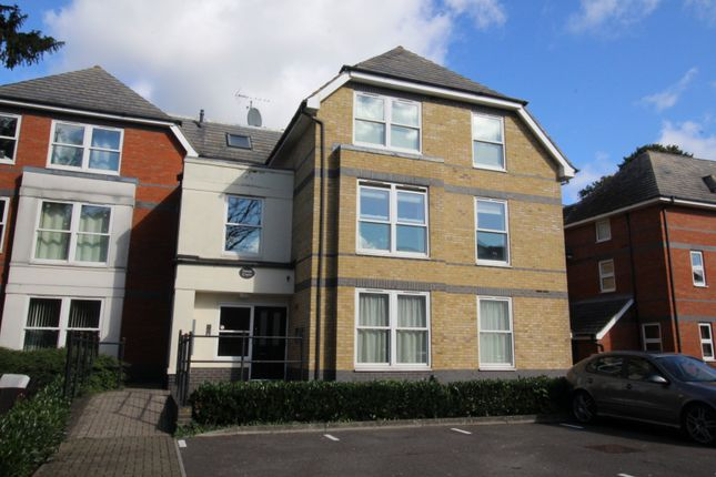 1 bed flat for sale in Vicarage Road, Egham TW20