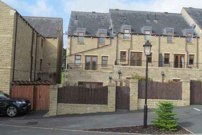 Thumbnail Town house to rent in Spring Vale, Turton, Bolton, Lancs