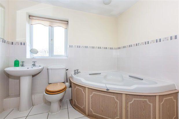 Family Bathroom of Johns Wood Close, Chorley PR7