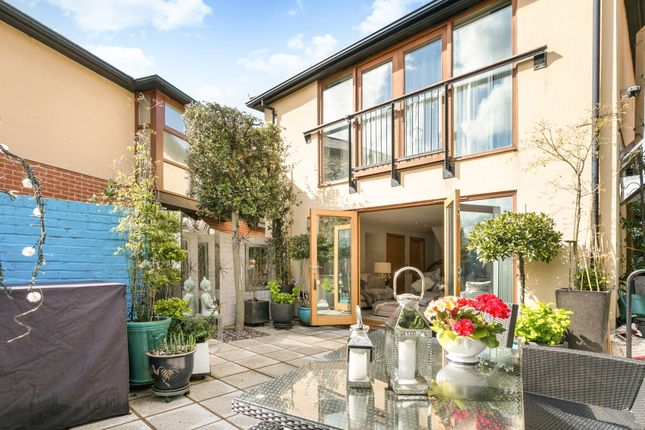 Thumbnail Mews house to rent in Queen Street, Henley-On-Thames