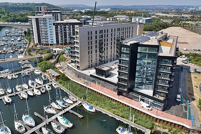 Thumbnail Flat to rent in Whitewater House, Bayscape, Cardiff