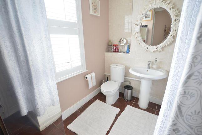 Bathroom of Stanley Grove, London SW8
