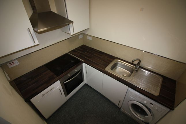 Thumbnail Flat to rent in Flat 7 Town Street, Armley, Leeds