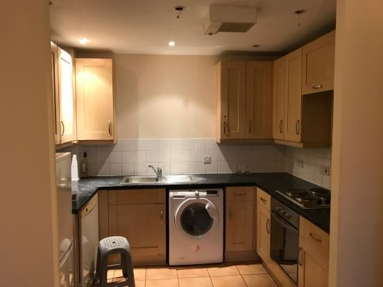 Thumbnail Flat to rent in Priory Heights, Slough, Berkshire