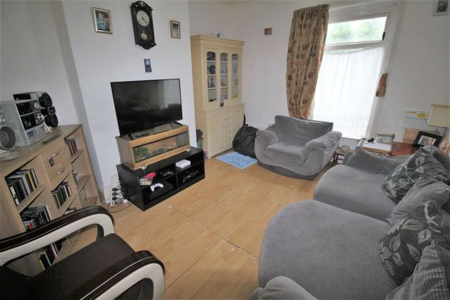 3 bed flat for sale in Hainton Avenue, Grimsby DN32