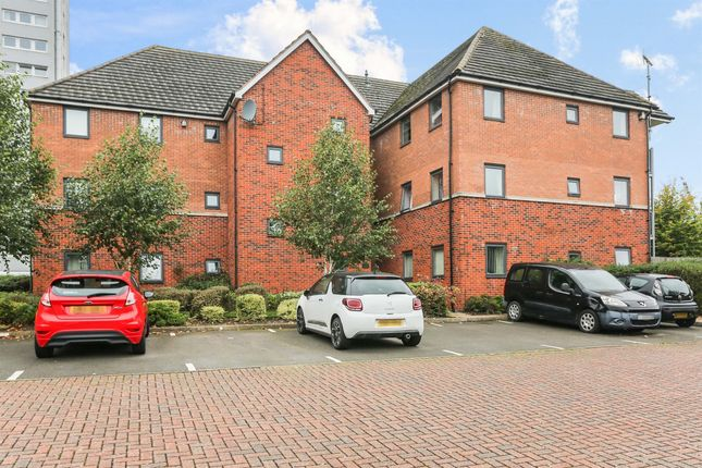 Thumbnail Flat for sale in Starling Grove, Birmingham