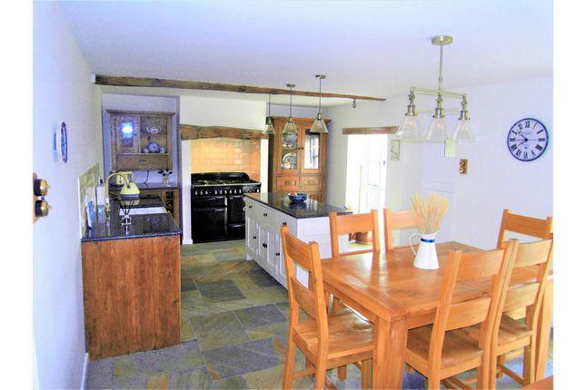 Cottage Kitchen of Hillside, Sheffield S25
