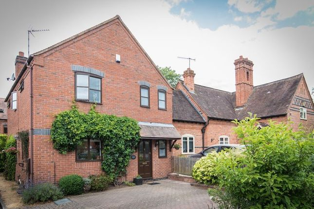 Thumbnail Property for sale in Meadow Rise, Ullenhall, Henley-In-Arden