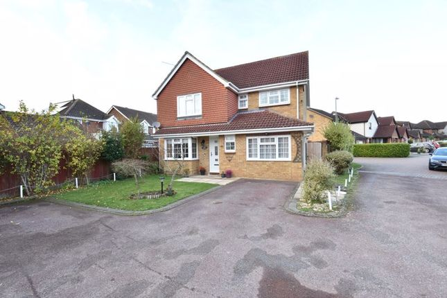 Thumbnail Detached house for sale in Thetford Gardens, Luton