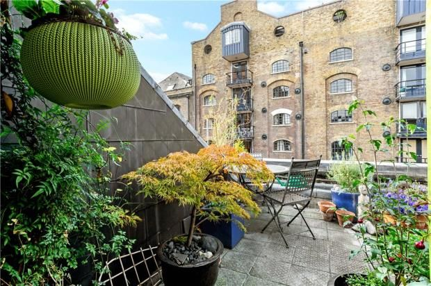 1 bed flat for sale in Lloyds Wharf, Mill Street, London