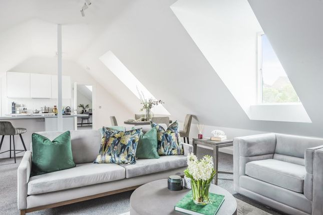 Thumbnail Flat for sale in Bewick Mews, Hungerford