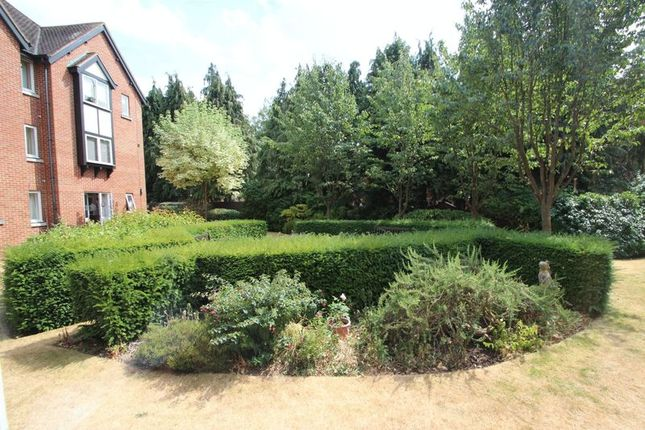 Thumbnail Property for sale in Swan Court, Banbury Road, Stratford-Upon-Avon