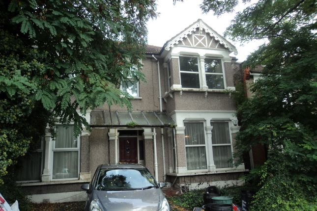 1 bed flat to rent in The Drive, Ilford