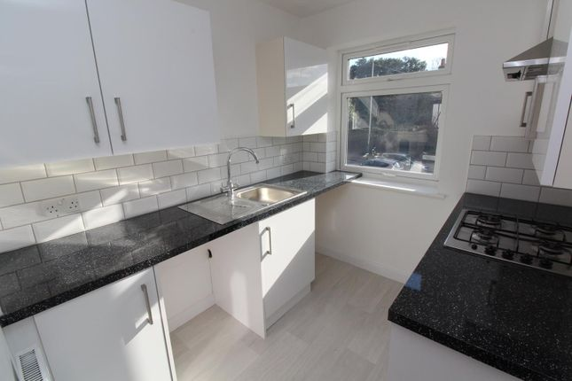1 bed flat to rent in High Street, Hornchurch, Essex RM11