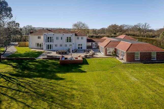 Thumbnail Detached house for sale in Winchester Road, Botley, Southampton