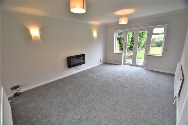 Lounge of Langley Road, Sale M33