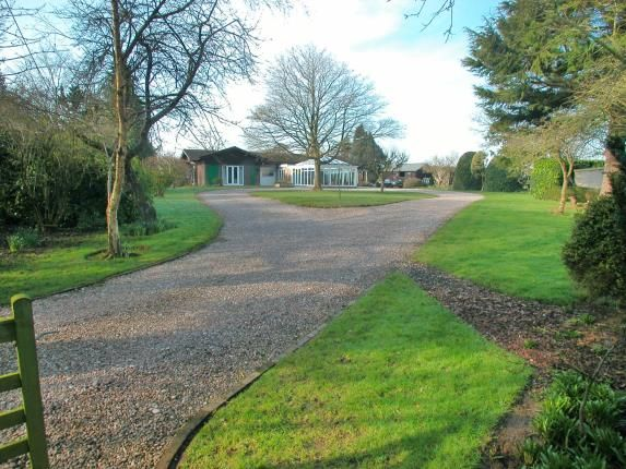 Thumbnail Bungalow for sale in Hanns Hall Road, Neston, Cheshire