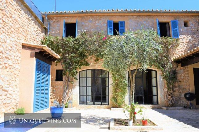 Villa for sale in Binissalem, Mallorca, The Balearics