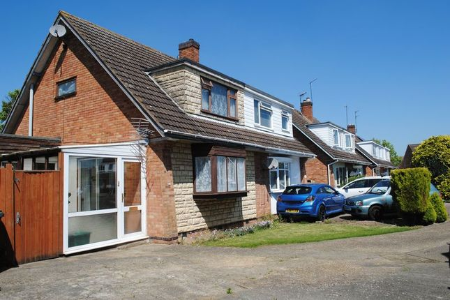 Thumbnail Semi-detached house for sale in Oakleigh Close, Raunds, Wellingborough