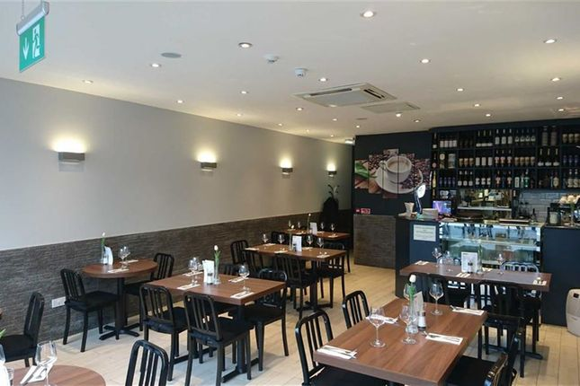 Thumbnail Restaurant/cafe to let in Field End Road, Eastcote, Pinner