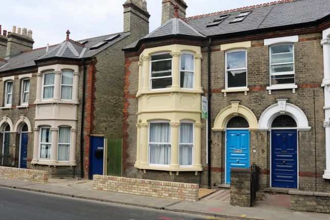Thumbnail Shared accommodation to rent in Room 3, 35 Mill Road, Cambridge