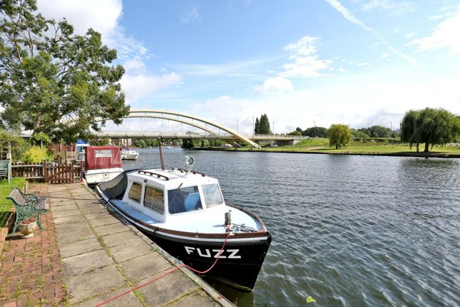 Thames Meadow Property For Sale