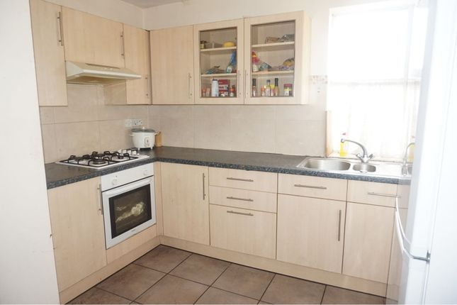 Kitchen of 204 Emscote Road, Warwick CV34