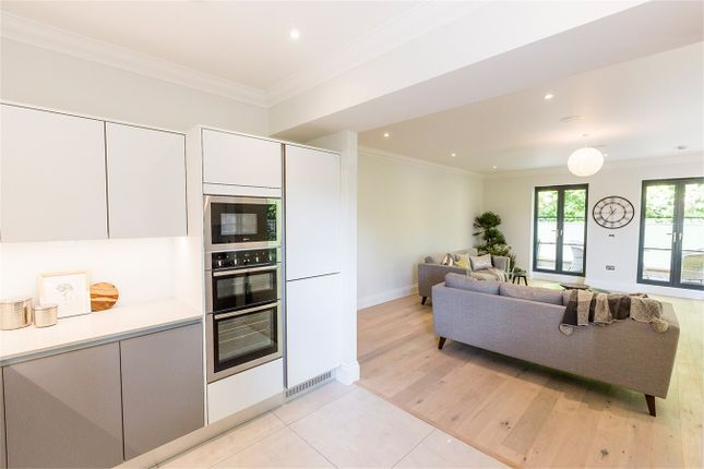 Thumbnail Flat for sale in The Avenue, Claverton Down, Bath