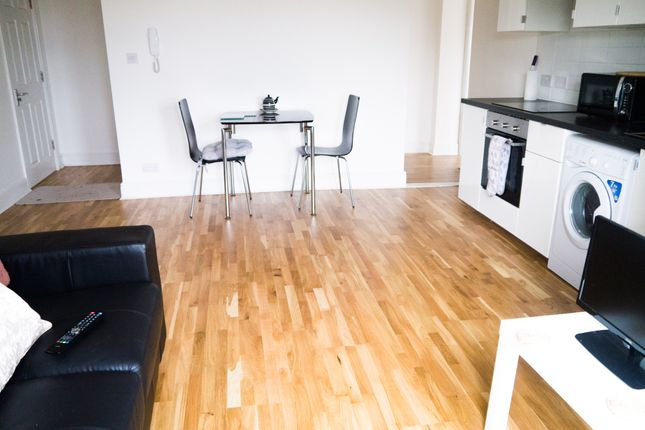 Thumbnail Property to rent in The Villa, Victoria Street, Flat 2