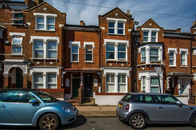 1 bed flat to rent in Comyn Road, Clapham Junction, London SW11