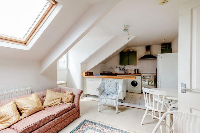 Thumbnail Flat to rent in Greenbank Road, Greenbank, Plymouth, Devon