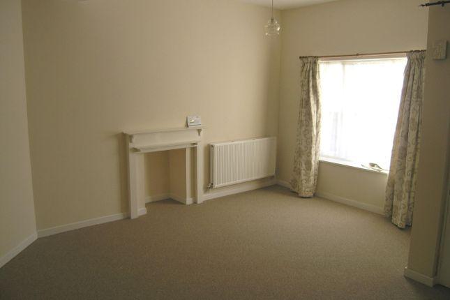 Flat to rent in Marshfield Road, Chippenham