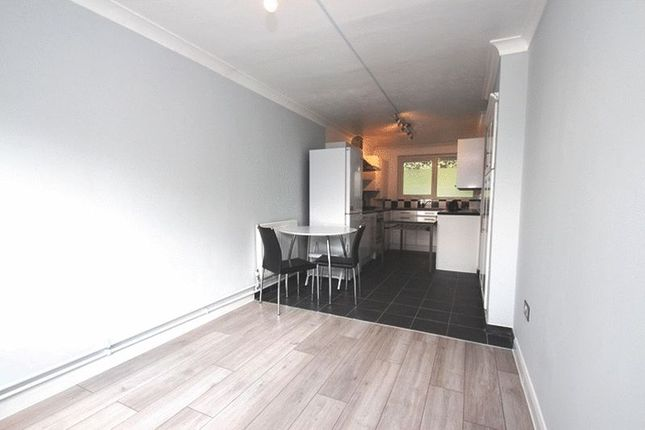 Thumbnail Flat to rent in Vernon Road, London