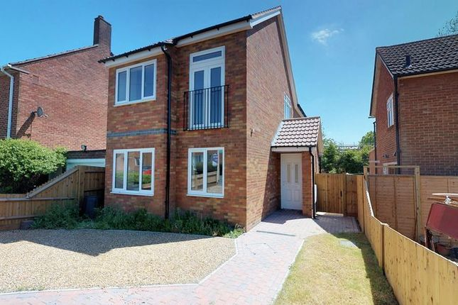 Thumbnail Detached house for sale in Goldcroft, Hemel Hempstead